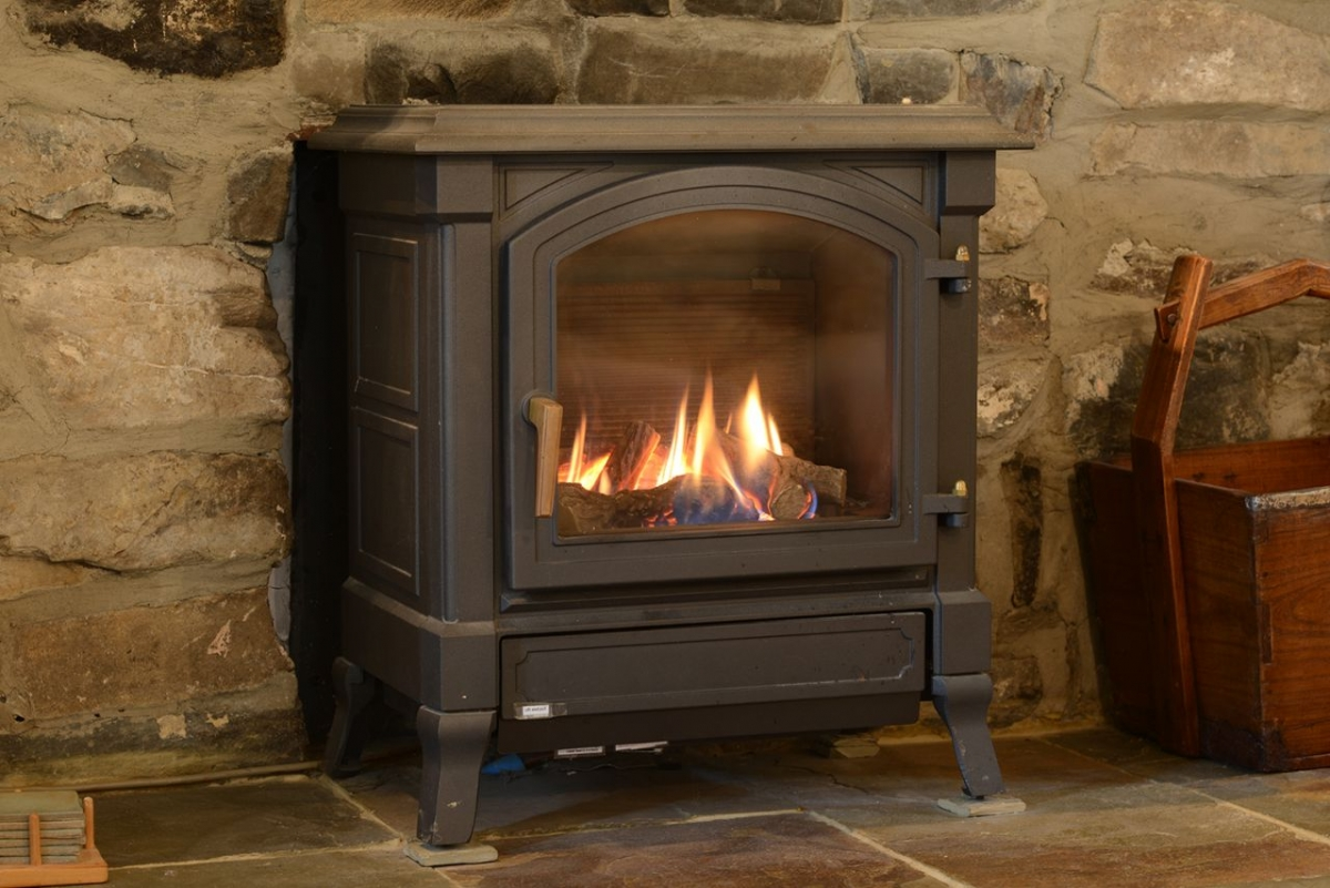 Penroc-stove-keeps-you-cosy-even-in-mid-winter