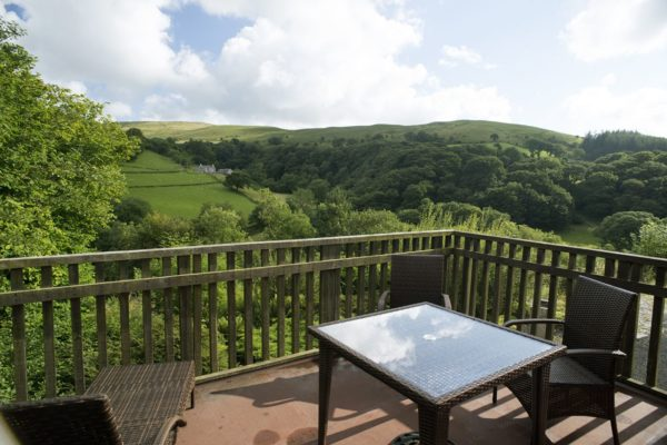dog friendly holiday cottages wales