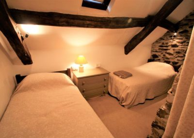 Second twin bedroom in Ty Mari holiday cottage