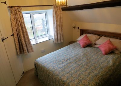 Ty Mari double holiday cottage bedroom